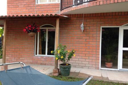 """Villa Borghese  """"Colina  del café"""" - Chinchina  - Villa"""