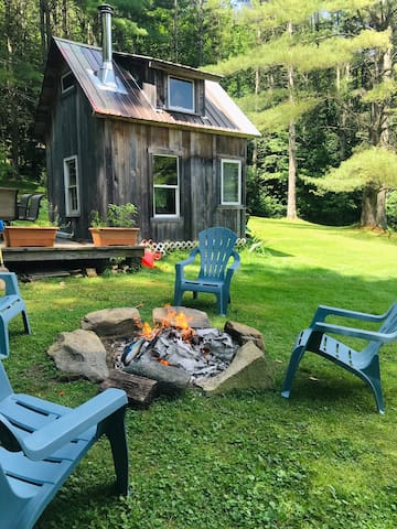 Hut on the Hill at Mountain Pines Vacation Rentals
