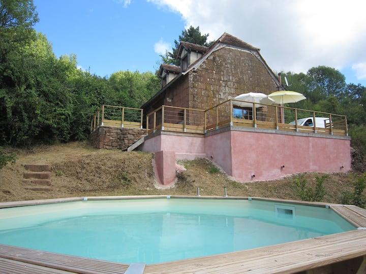 Maison de charme, piscine bois et vue magnifique
