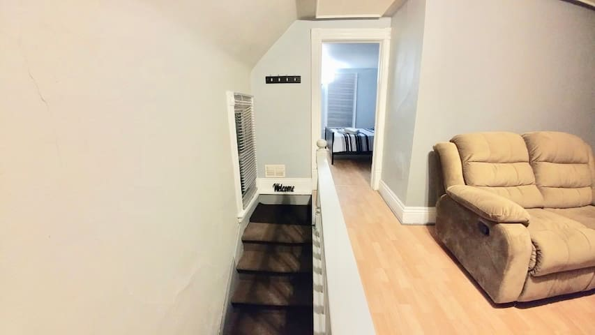 private 1 bed unit close to downtown with laundry