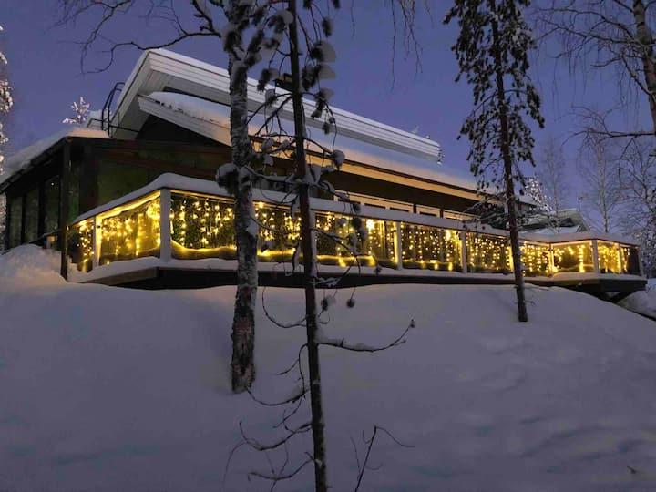 Villa Vihtori by Lake Perunkajärvi
