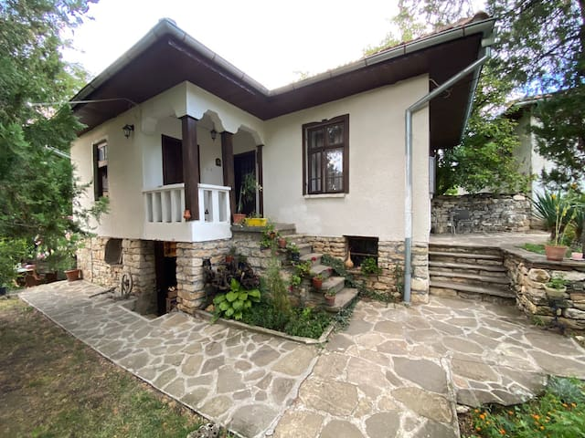 Wonderful village house with Hyperbaric Chamber