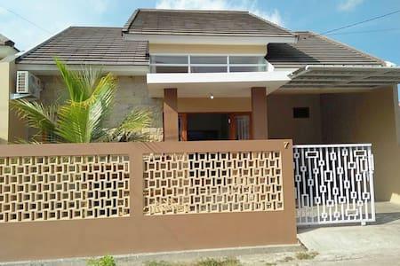 Rumah Mba Ayu 2, complete amenities, and karaoke