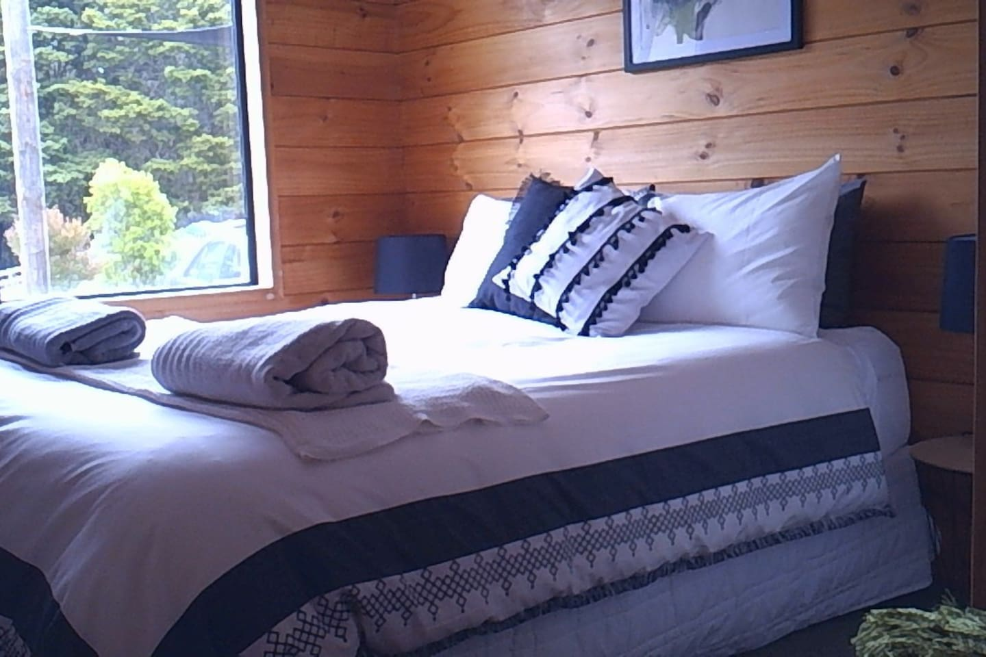 Private, cozy, snug  space with queen bed