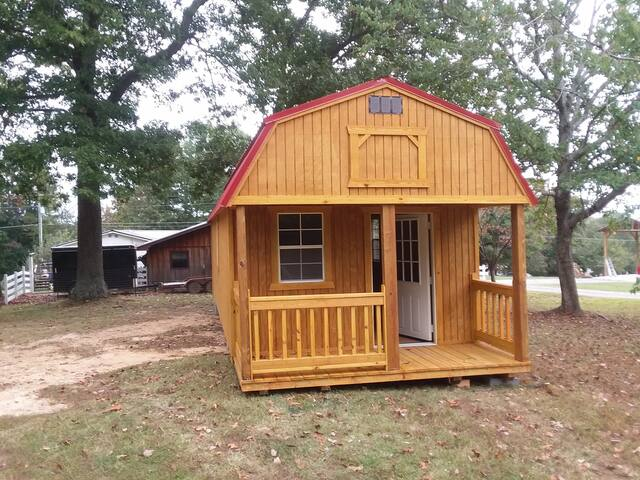 The ImPECKable Tiny Cabin