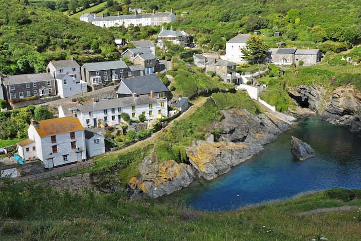 1 Cliff Cottages, Portloe