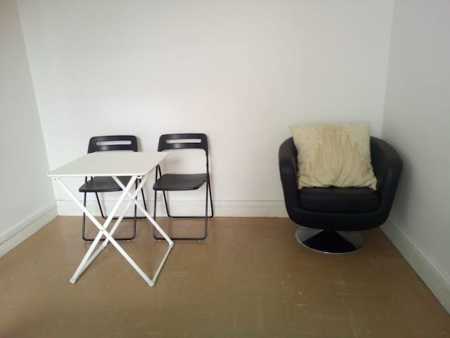 Sympathique studio parisien
