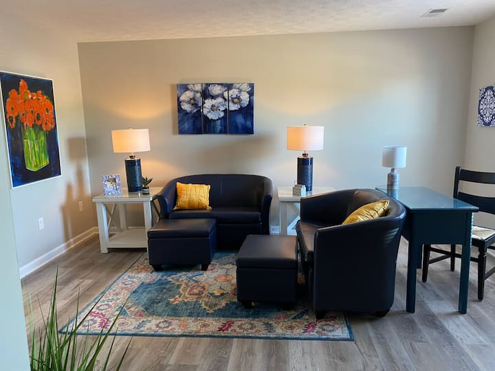 Newly Furnished Luxury 2 BR 2.5 Ba Apartment