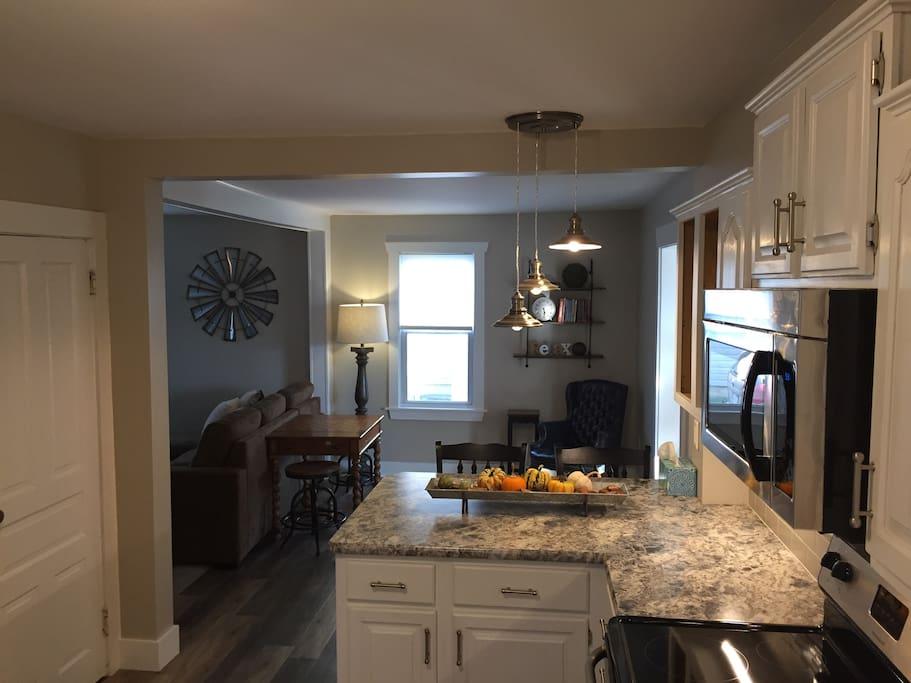 Kitchen Breakfast Nook and sitting area