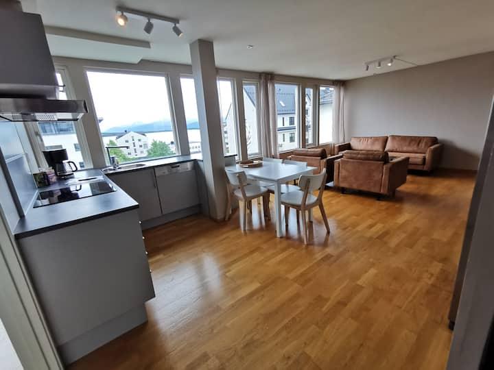 Moderne treroms leilighet i Molde sentrum