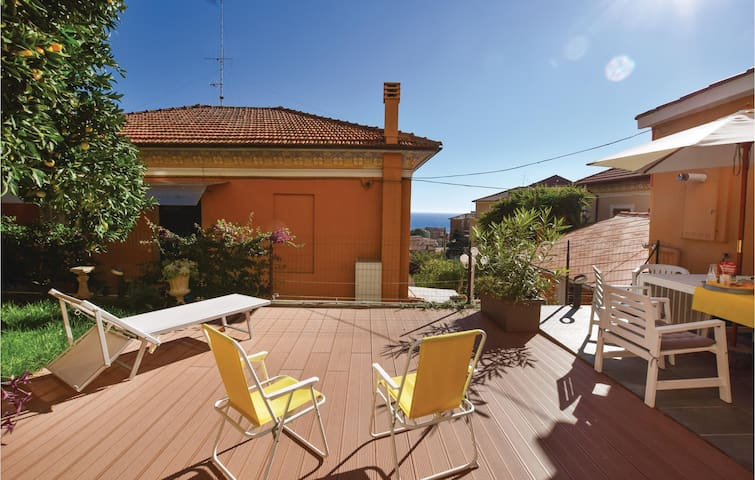 Semi-Detached with 2 bedrooms on 69m² in Imperia (IM)