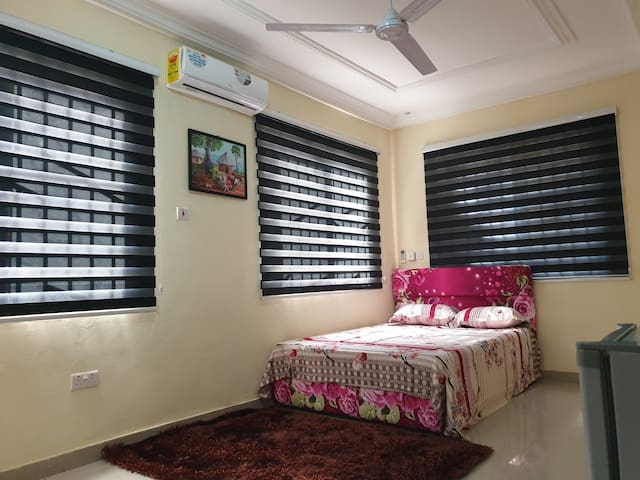 ⭐ Furnished Luxurious 2 Bedroom Apt - Fast wifi