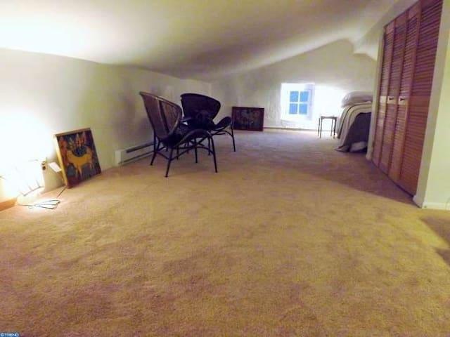 3rd Floor Bedroom space
