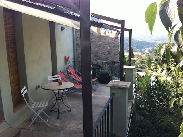 Charming cottage for 2 peop. at 1 h from Barcelona - Castellbell i el Vilar - Lejlighedskompleks