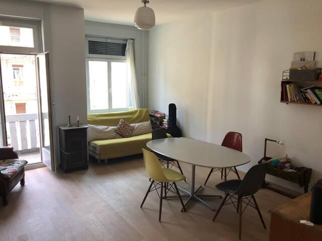 Schöne 3.5 Zimmer Wohnung in unmittelbarer Seenähe