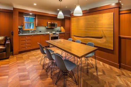 West Shore Luxury Cottage - 2 BDR R - Homewood