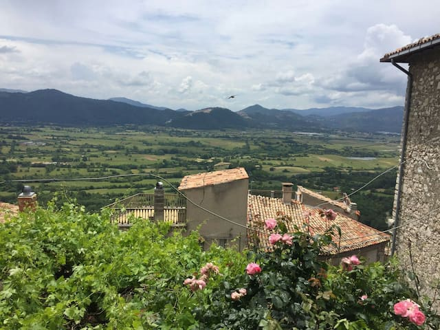Casa di montagna,rustica medioevale - Pereto - Casa