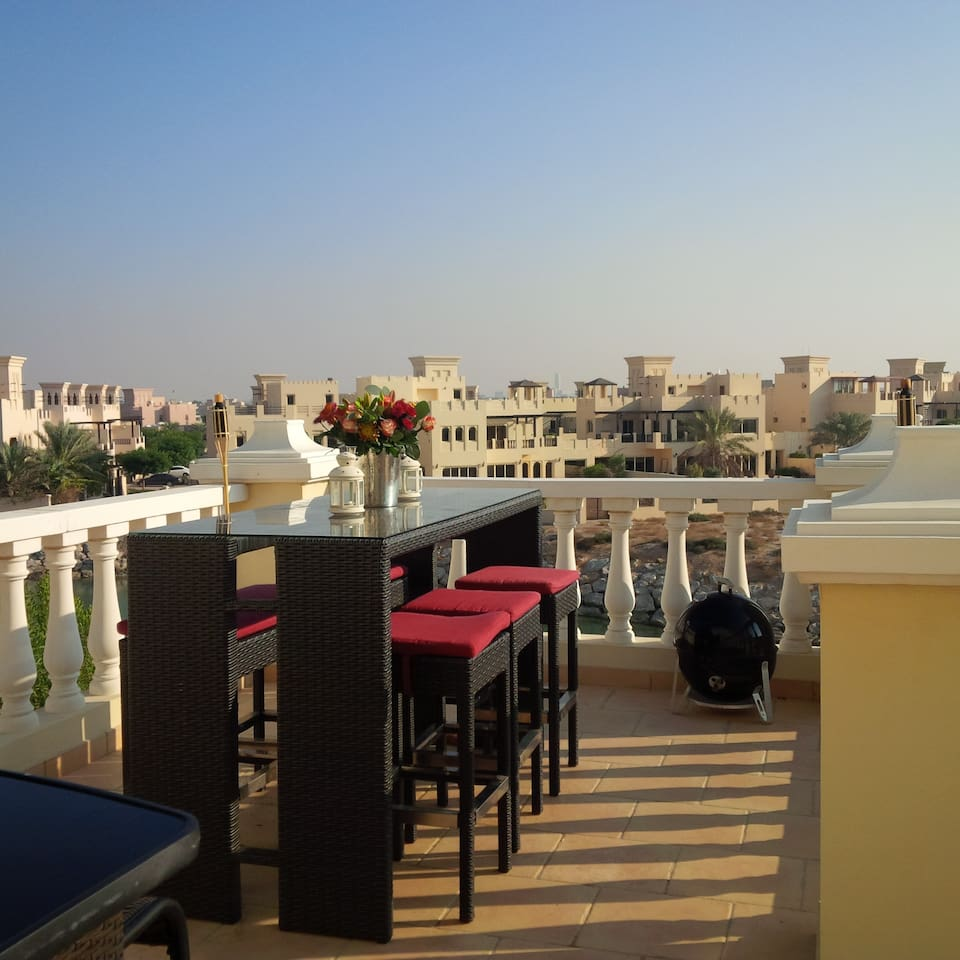 roof terrace - perfect for bbq's, dinner party, watching the sun set