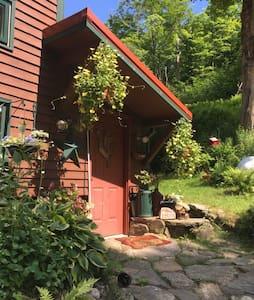 Rustic Retreat in the Beautiful Berkshires - ワシントン