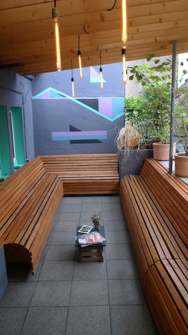 This is the terrace, next to the Goldvinyl record store...always good to relax in summer