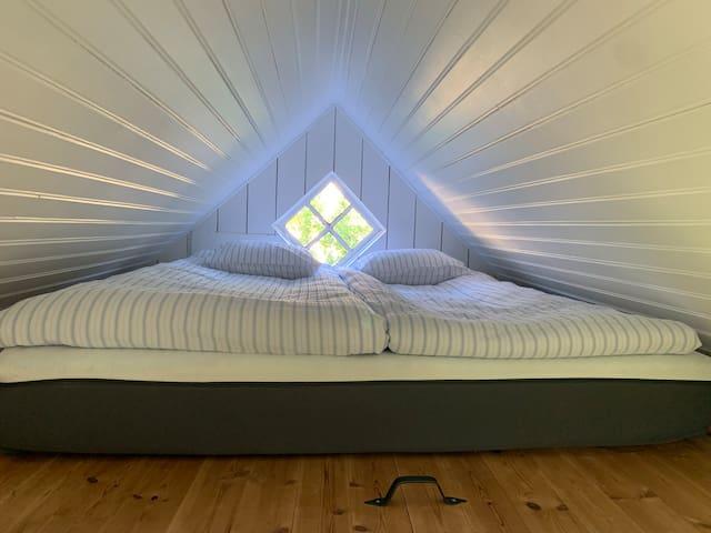 The loft, 180 x 200 bed