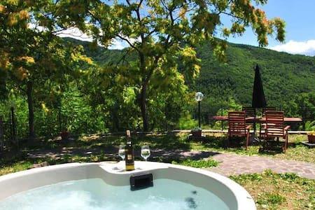 Luxury private villa in Tuscany - Fivizzano - กระท่อม