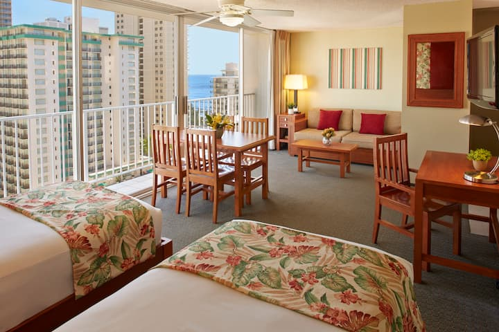 Waikiki Partial Ocean Kitchenette w/ 2 Twin Beds