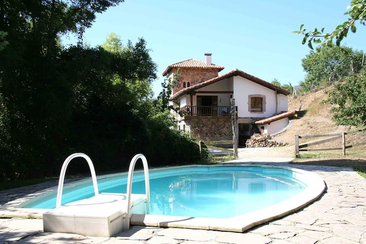 RURAL HOUSE IN LIEBANA - Cabañes - Bed & Breakfast