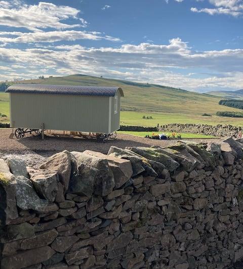 'Curlew' Luxury Shepherds Hut Scottish Borders