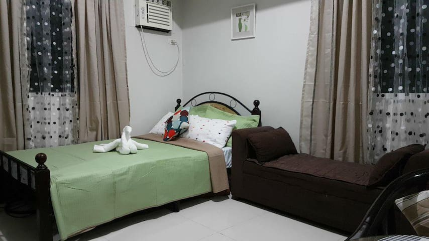 Sun Residence Studio Condo with Internet &Cable TV