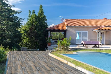 Villa with private swimming pool - Dobrinj - Villa