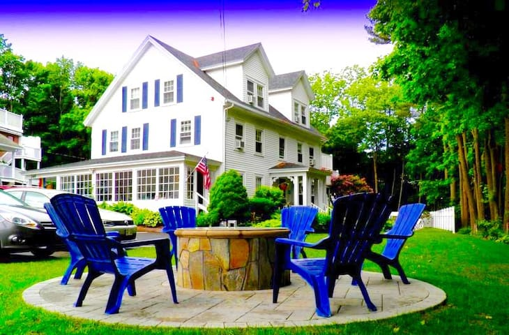 Abalonia Inn Rooms with Private Deck Ogunquit, ME