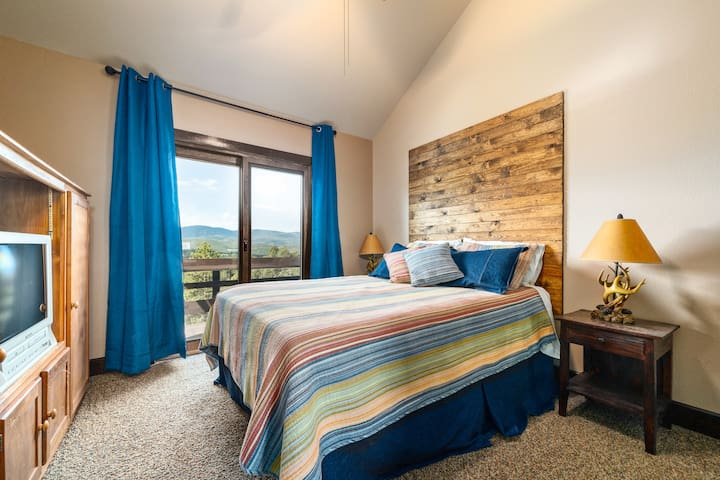 Guest bedroom on 3rd floor is a 2 story room, with 2 Queen beds.