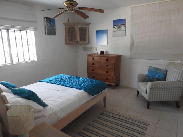 Bedroom 2, en-suite with Dressing room