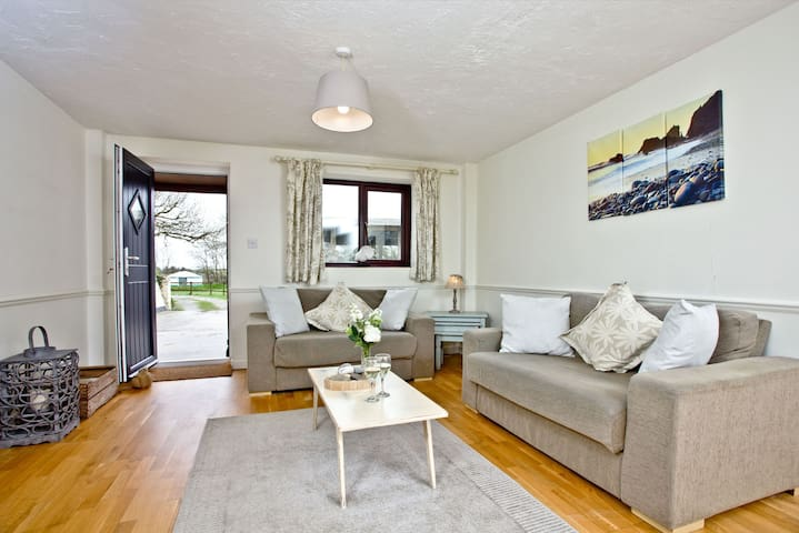 Nobby's Cottage, East Thorne, Bude