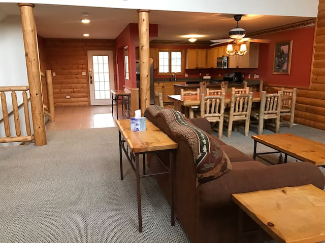 Beautiful Cabin in the heart of Starved Rock