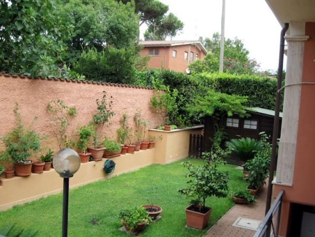 Rome near the Roman Beach and Ancient Ostia ruins - Rome - Appartement