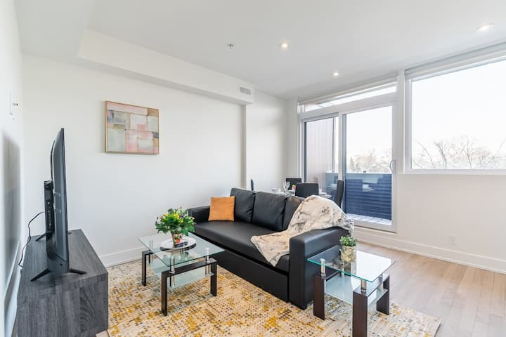 BRAND NEW - Upscale 3BR With Balcony - Steps to High Park!