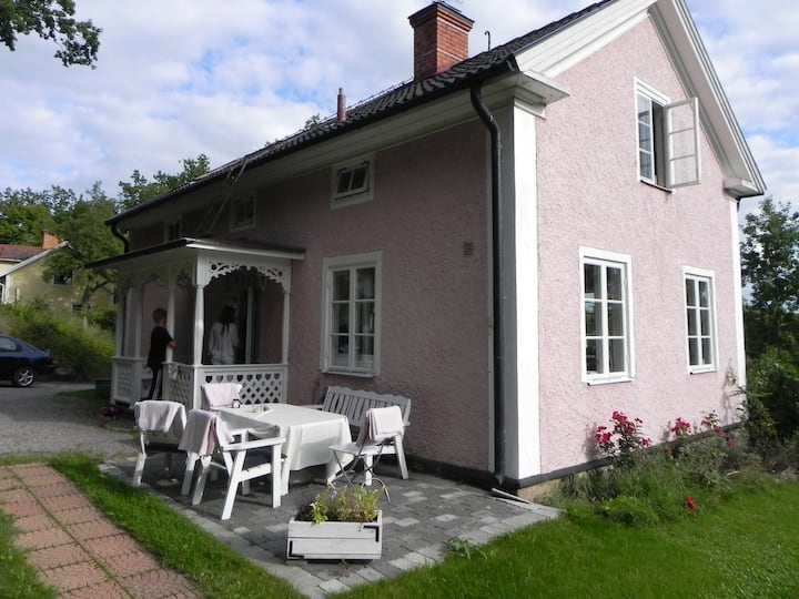 Gamleby  charmigt hus från 1860
