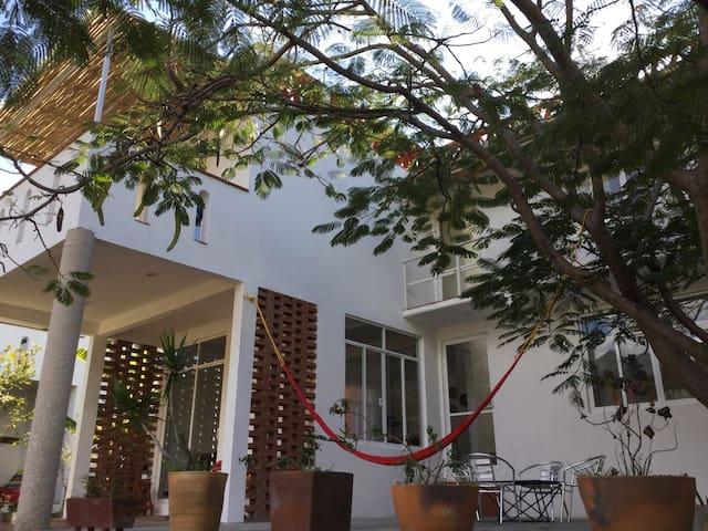 Casita Amarilla con hermosas vistas - San Pablo Etla - Apartamento