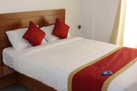 Sam's Terrace Two Bedroom Apartment- Paddi