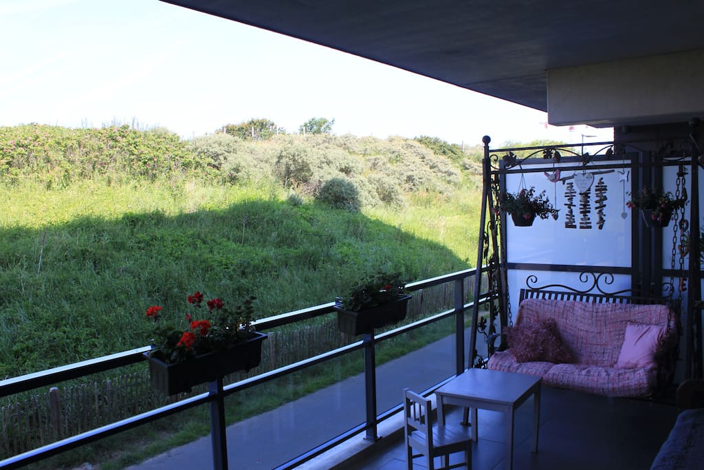 The balcony with a view of the dunes.