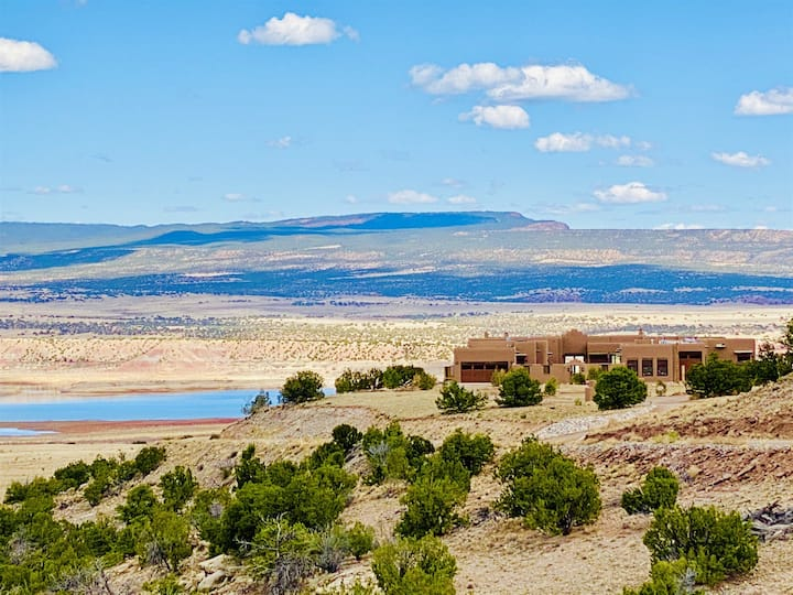 Abiquiu's Luxury Bed and Breakfast: The Grand Hacienda Rio Chama Suite
