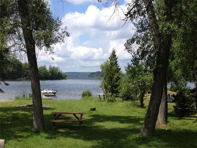 Rice Lake Scenic Cottage
