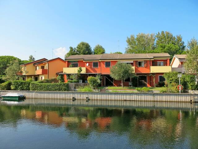 Apartment Reihenhaus 'Fjordi' in Albarella for 4 persons
