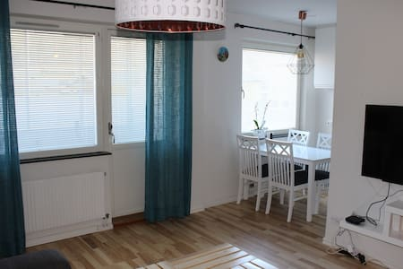 Charming and cozy condo mins from Stockholm City - สตอกโฮล์ม - อพาร์ทเมนท์