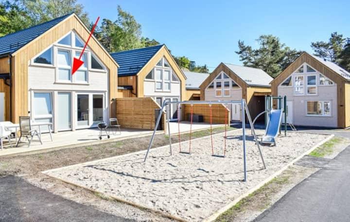 Nytt og moderne feriehus ved Årossanden
