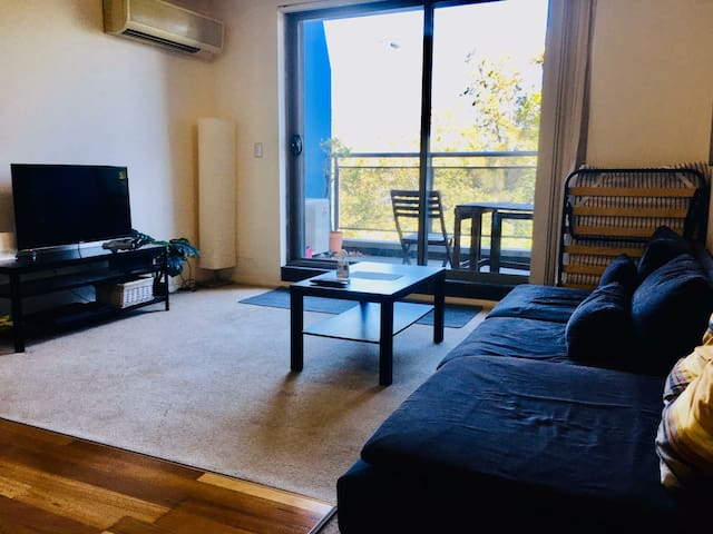 Convenient Cozy Home Next to the CBD