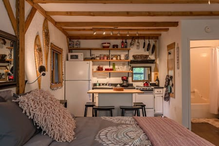Excellent location in Taos Ski Valley!