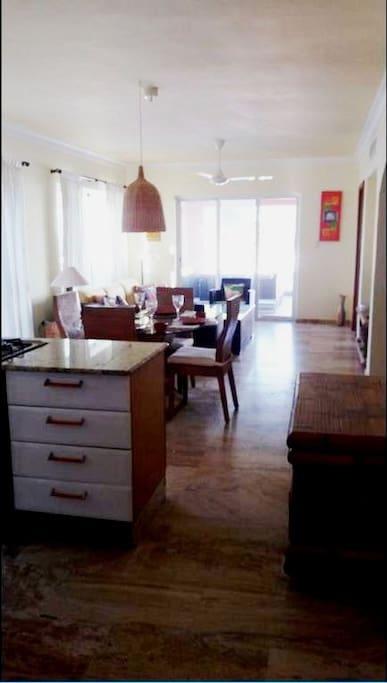 Super Roomy - Huge and open space - kitchen, living and dining room, access to 2 terrances - second level apartment / Amplio y Espacioso un sólo ambiente, cocina, sala, comedor, acceso a 2 terrazas. en el 2do nivel